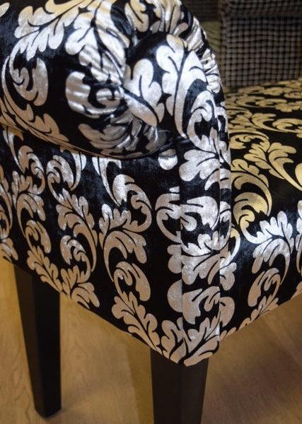 Sitzbank mit Armlehnen (Telefonbänkli) Breite ca. 120 cm