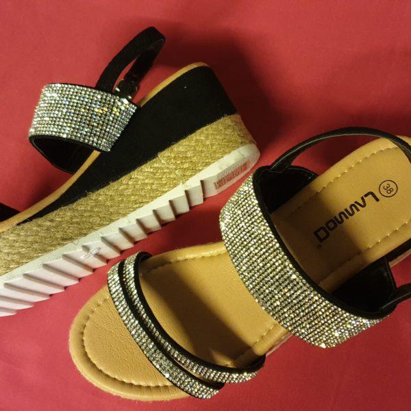 Tolle Sandalen mit Glitzerband